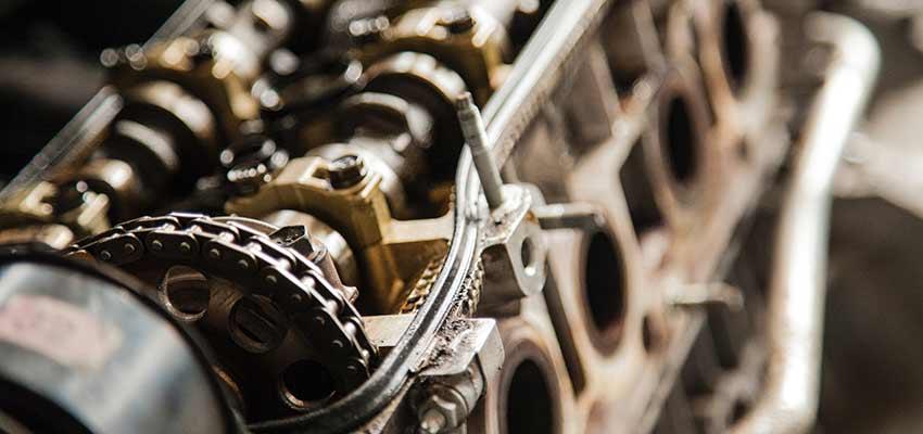 Bir motor.