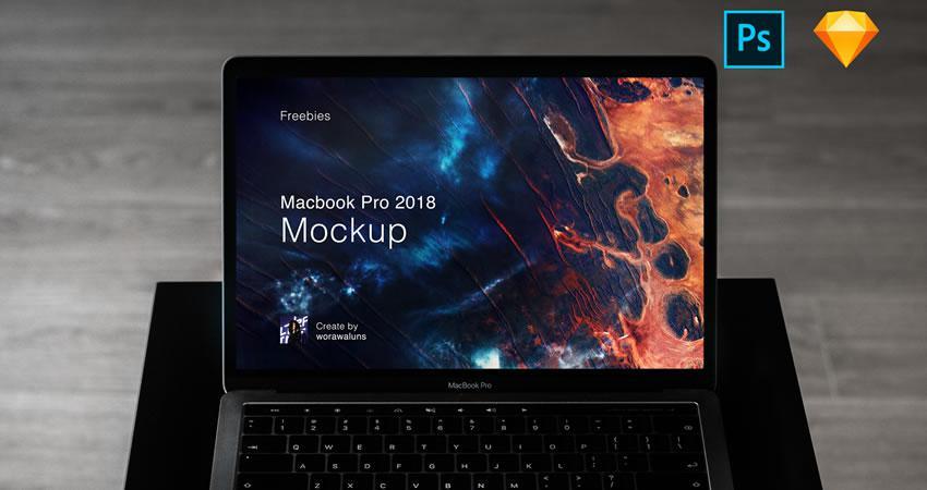 Macbook Pro 2018 Ücretsiz MacBook Maketi Şablonu PSD Photoshop