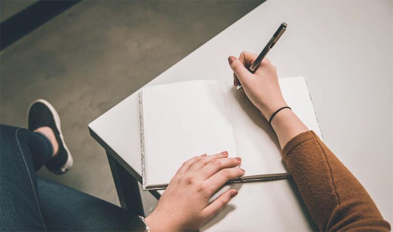 Ganar dinero Blogging Importancia de escribir regularmente para monetizar su blog ryrob