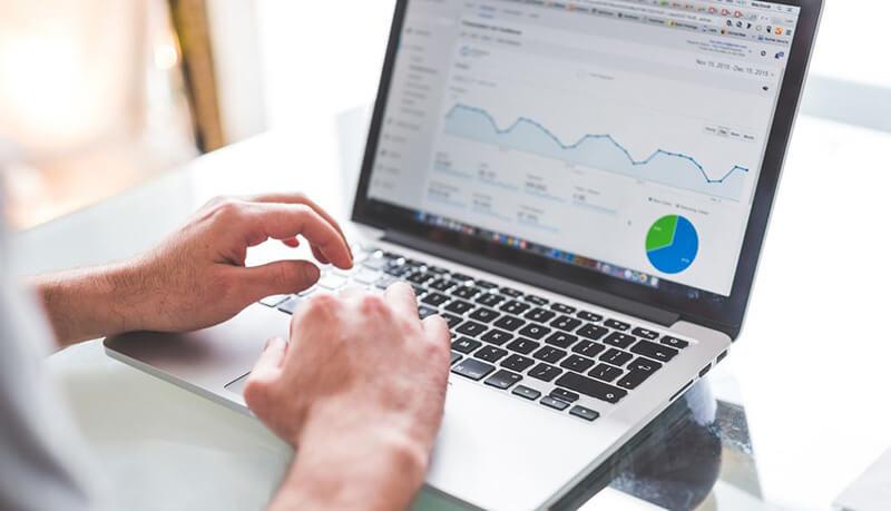 Ganar dinero Blogging Descripción general de Google Analytics en ryrob