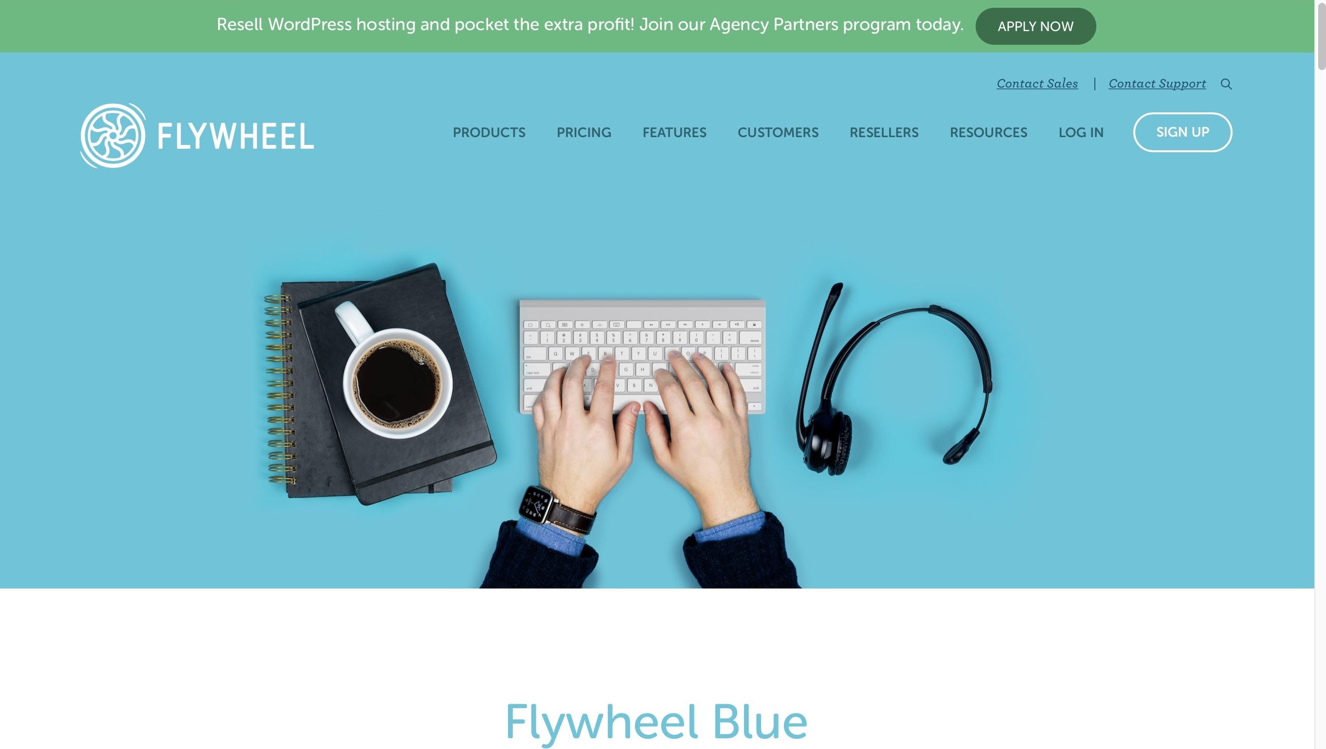 """volante """"srcset ="""" https://blogging-techies.com/wp-content/uploads/2020/04/1587935172_981_¿Cuales-son-los-mejores-planes-de-alojamiento-de-nivel-empresarial.jpg 2725w, https://winningwp.com/wp-content/uploads/2018/02/flywheel-250x141. jpg 250w, https://winningwp.com/wp-content/uploads/2018/02/flywheel-768x434.jpg 768w, https://winningwp.com/wp-content/uploads/2018/02/flywheel-700x396. jpg 700w, https://winningwp.com/wp-content/uploads/2018/02/flywheel-120x68.jpg 120w """"tamaños ="""" (ancho máximo: 2725px) 100vw, 2725px """"></p> <p>Flywheel, aunque es una empresa conocida en el mundo del alojamiento de WordPress, es un nuevo jugador en el alojamiento de nivel empresarial. Su nivel superior se llama Flywheel Blue, y promete ser todo lo que puede esperar de una plataforma de nivel empresarial.</p> <p>Flywheel se enorgullece de ofrecer a sus clientes herramientas de desarrollo potentes (pero fáciles de usar) y acceso a personas, expertos, que podrán ofrecer ayuda.</p> <p>Flywheel también ha logrado crear una cartera de clientes bastante impresionante, incluidas compañías como Forbes, Lenovo, la Universidad de Michigan y The Washington Post.</p> <h4>Precio y Parámetros</h4> <p>Flywheel Blue comienza en <strong>$ 2,500 por mes</strong>, y le ofrece configuraciones de alojamiento creadas tanto en GCP como en AWS (según sus necesidades).</p> <p>Esa configuración está clasificada para manejar <strong>hasta 1 millón de visitas al mes</strong>, dandote <strong>50 GB de espacio en disco y 5 TB de ancho de banda</strong>. Sin embargo, solo puedes tener <strong>una instancia de WordPress</strong> corriendo sobre ella.</p> <p>La configuración de alojamiento es un clúster de WordPress de escala automática con redundancia y conmutación por error automática incorporada. Cada cliente también recibe <strong>gestión de cuenta dedicada</strong>, boletines de calificaciones trimestrales (resúmenes de tiempo de actividad, información de respaldo, intentos de pirateo detenidos, etc.) y respaldos """