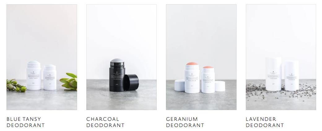 tomas de productos de cuatro aromas diferentes de desodorante de Primally Pure