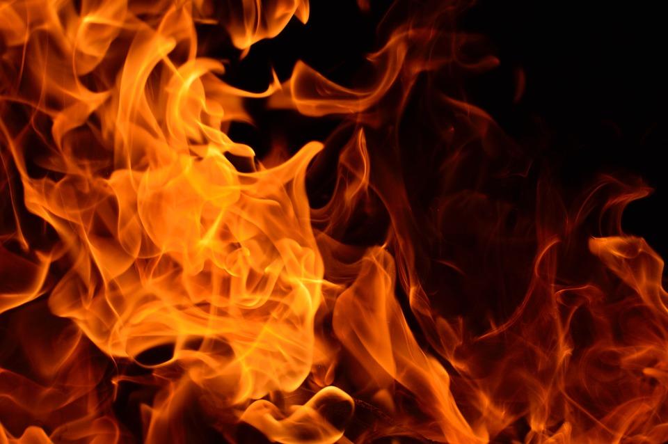 Resultado de imagen para imagen de un incendio quemado
