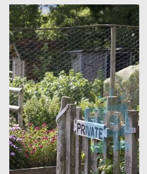 Puerta del jardín
