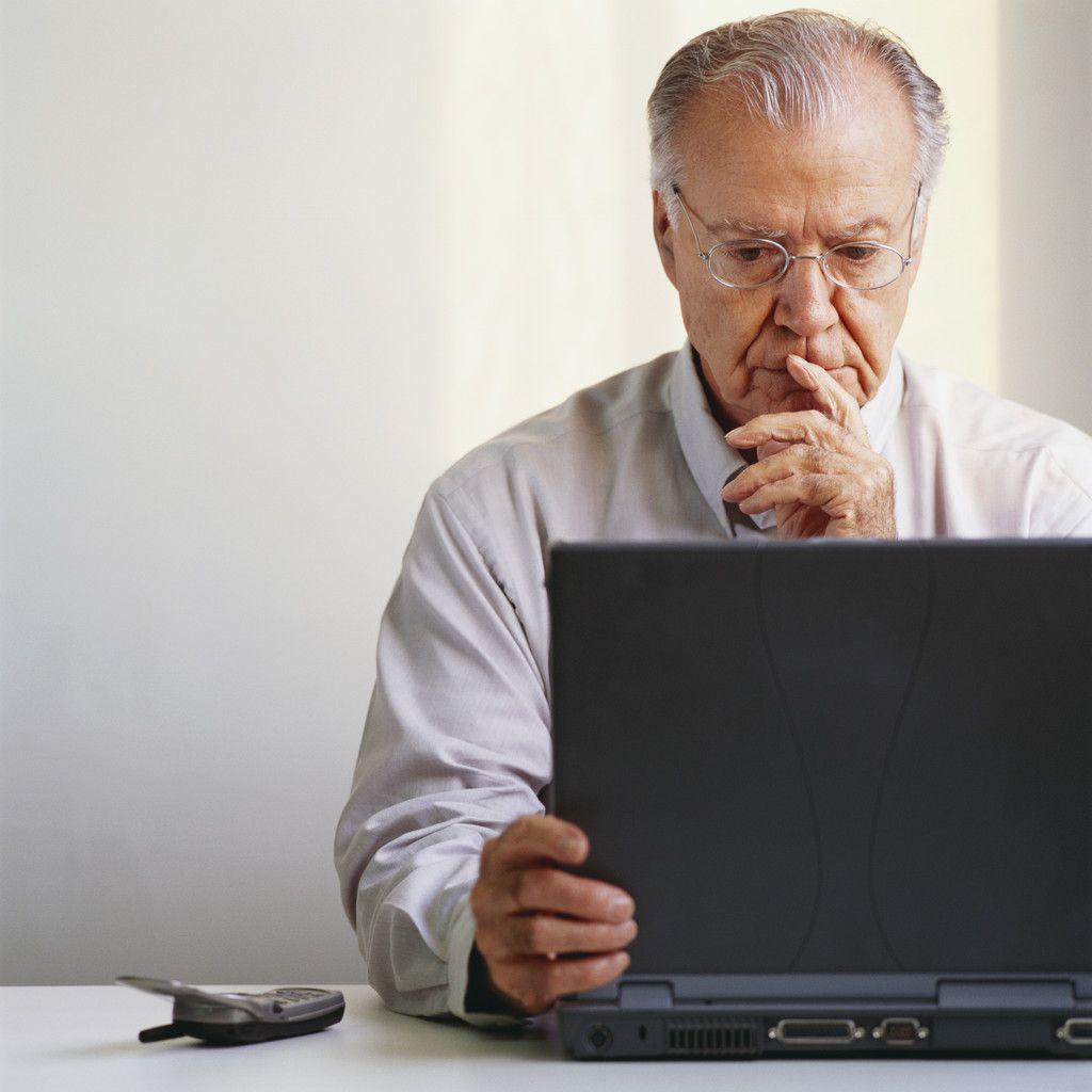 Resultado de imagen para imágenes para una persona mayor que usa una computadora