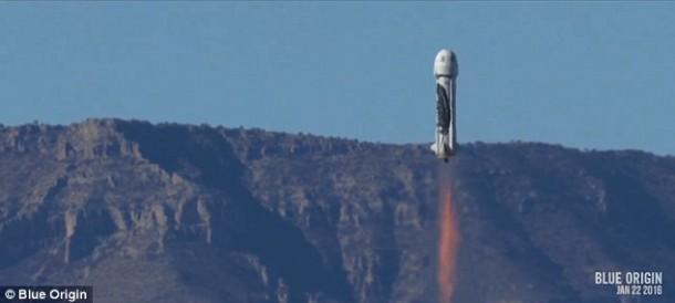 ¡El cohete reutilizable Blue Origin se lanzó y aterrizó con éxito, una vez más!  5 5