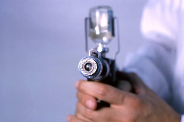 Inyector de chorro dispara la vacuna inyectada directamente en su músculo