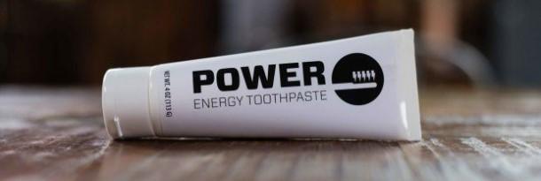 La poderosa pasta de dientes viene cargada de cafeína
