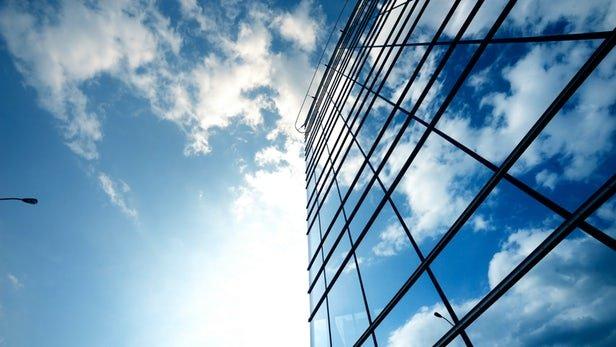 Nuevas ventanas inteligentes cubiertas de pequeños espejos proporcionan una mejor iluminación