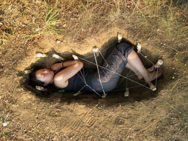 Mit Pilzen angereichertes Bestattungsunternehmen verwandelt Leichen in sauberen Kompost_Bild 0