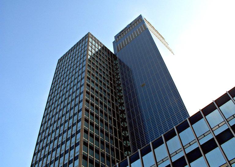 Torre CIS Inglaterra paneles solares