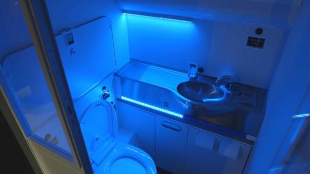 El lavabo autolimpiante Boeing es lo mejor que podrías pedir