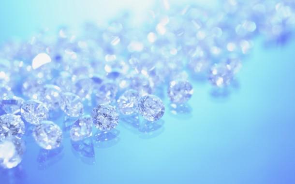 pequeños cristales vertidos al mismo tiempo