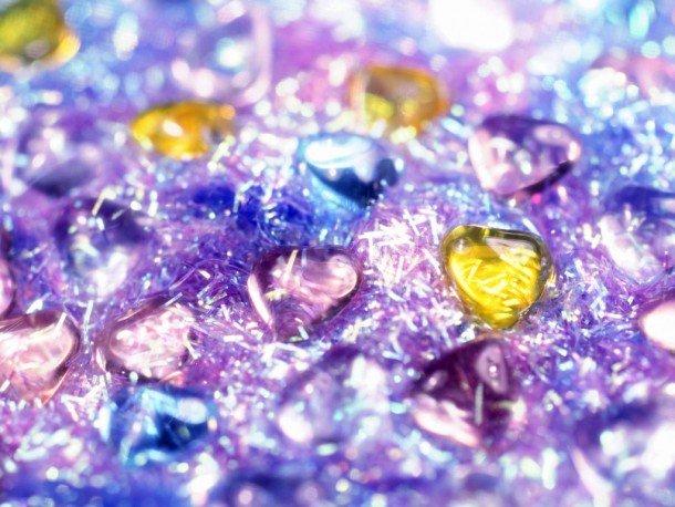 Corazón, piedra y reluciente