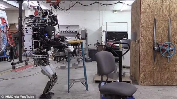 Ian The Atlas Robot ahora puede ayudarlo con las tareas domésticas 3