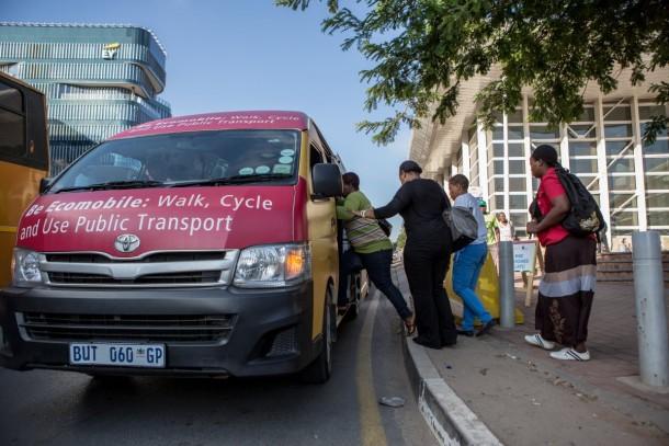 Johannesburgo intentó ir sin automóviles por un mes 11