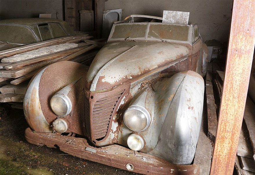 coches antiguos encontrados en la granja francesa6