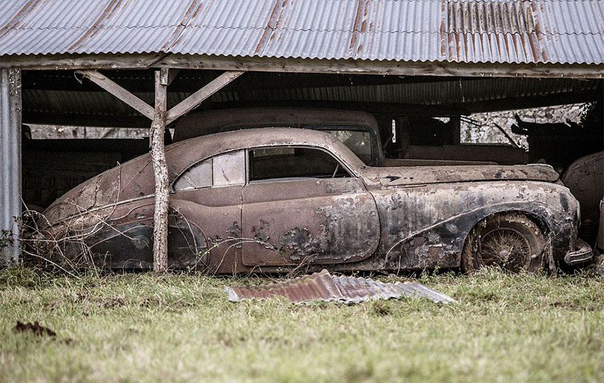 coches antiguos encontrados en la granja francesa4