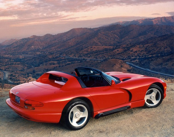 1992 Dodge Viper RT / 10 calificación y especificaciones superiores del coche