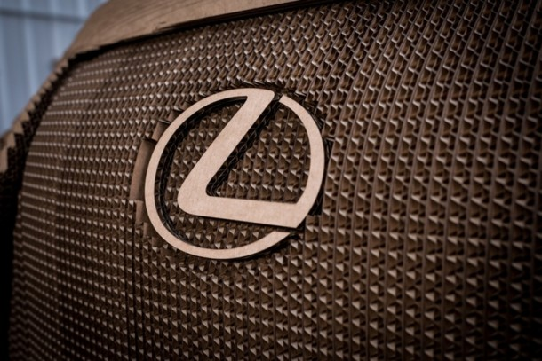 Lexus fabricó una cartulina manejable IS Saloon 5