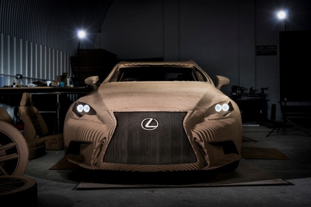 Lexus fabricó una cartulina manejable IS Saloon 2