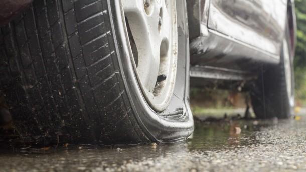 Echa un vistazo a los neumáticos autocurativos