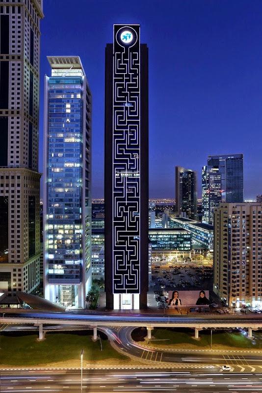 The Maze Tower es el laberinto vertical más grande del mundo en Dubai 4