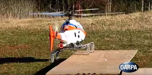 DARPA demuestra tren de aterrizaje robótico para helicópteros 6