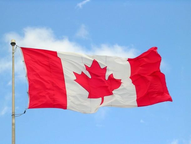 Bandera de Canadá (8)