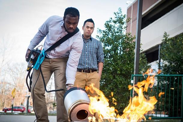 Sacar fuego usando Sound Waves 3