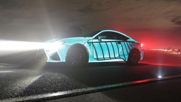 El trabajo de pintura de Lexus Car parpadea en sincronización con el latido del corazón del conductor 2