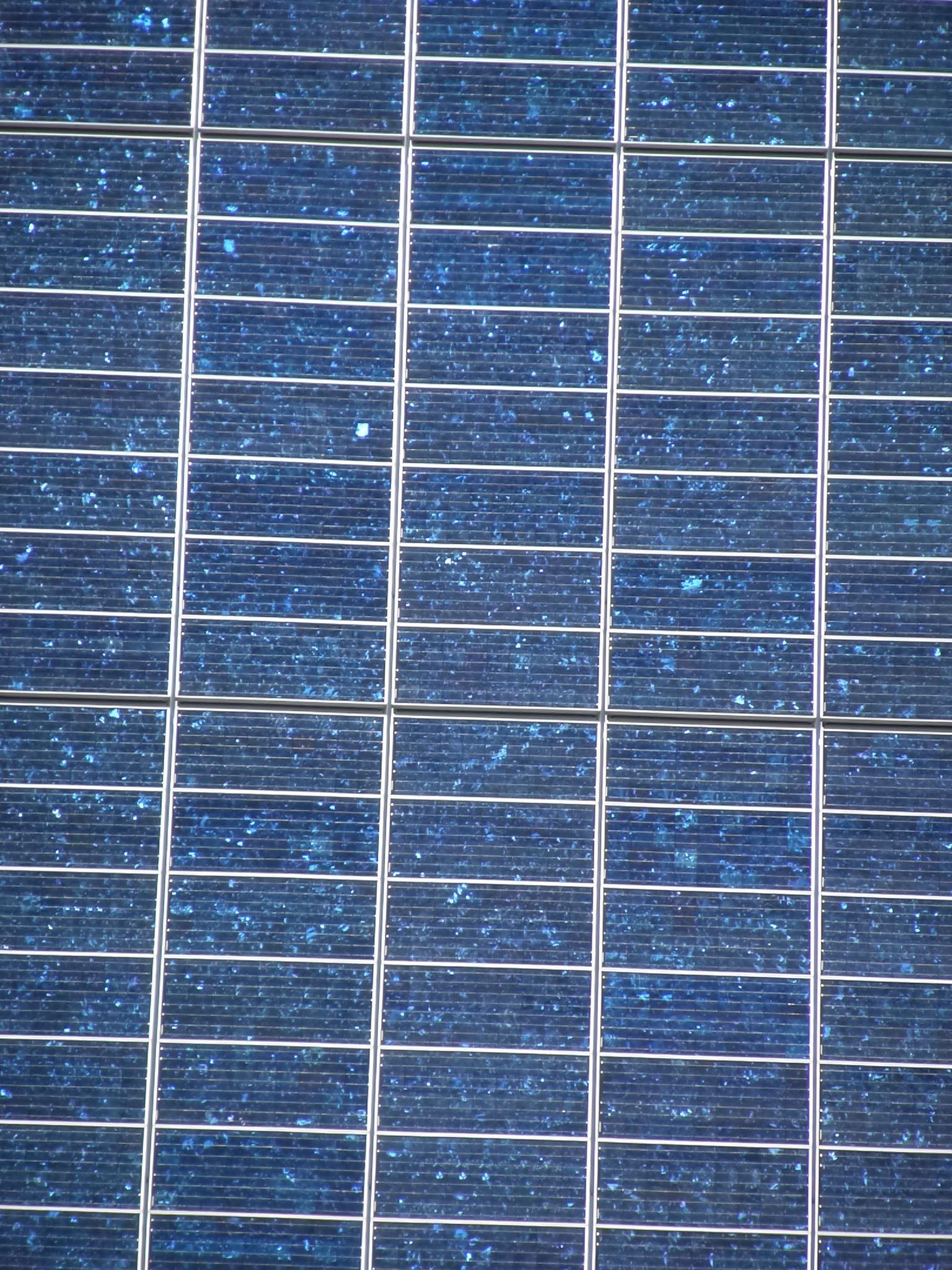 Torre CIS Inglaterra paneles solares2