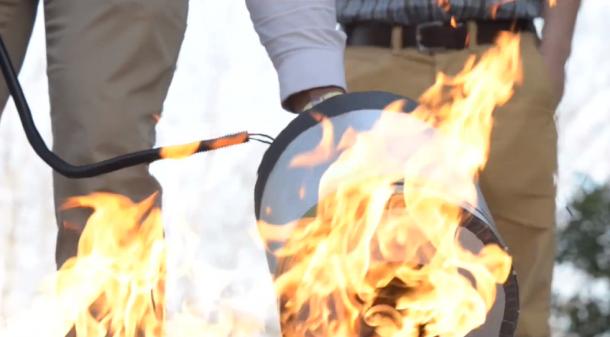 Sacando fuego usando ondas de sonido 5