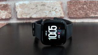 Fitbit Versa se ve bien, pero hay margen de mejora