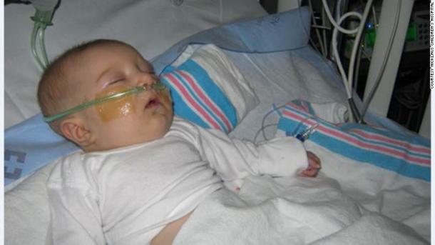 Google Cardboard acaba de salvar la vida de un bebé.  Aquí está la historia