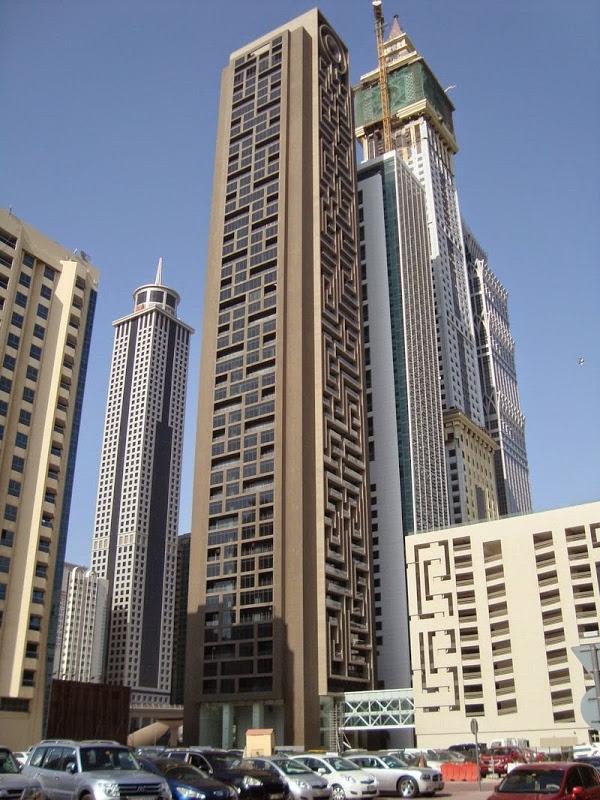 The Maze Tower es el laberinto vertical más grande del mundo en Dubai 5