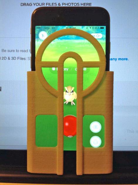 Nunca te pierdas otro Pokémon con esta funda de teléfono impresa en 3D para apuntar tus Pokéballs_Image 2