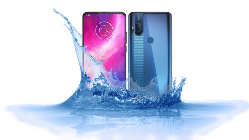 Is Motorola One Hyper Waterproof device to survive under water?