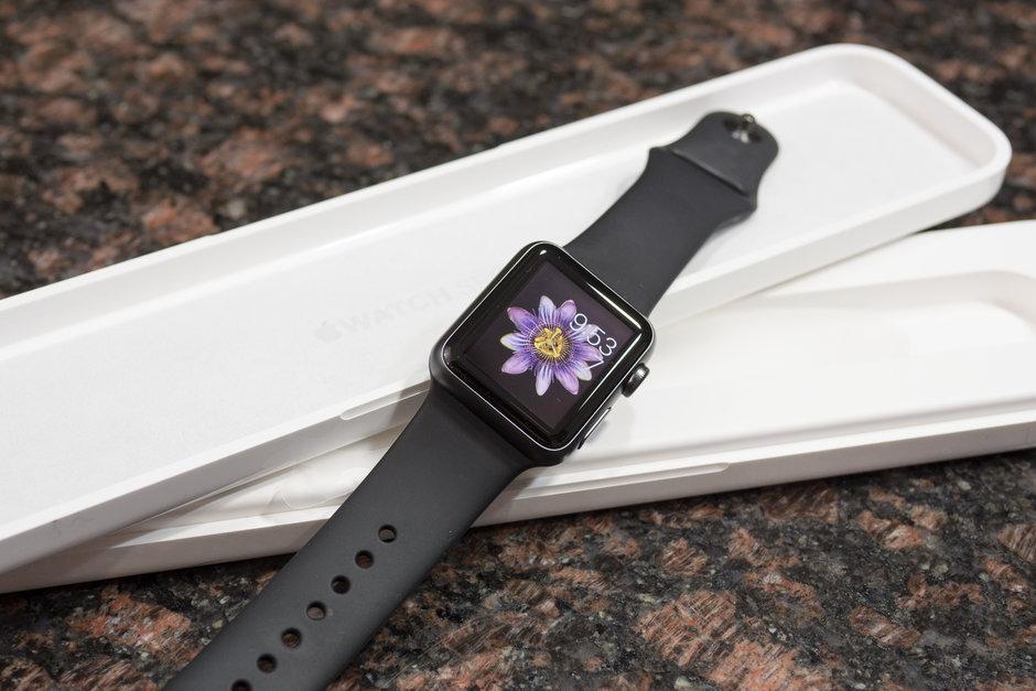 Apple is replacing Old Apple watch models with Apple Watch Series 2 instead of repairing