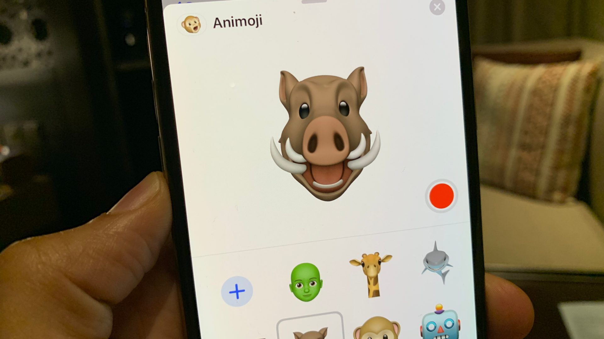 Apple latest iOS 12.2 comes with 4 new added Animoji