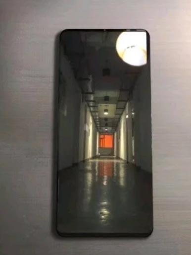 Fugas de imágenes y especificaciones de Huawei Mate 20 Pro: puede traer una cámara triple de 42 megapíxeles