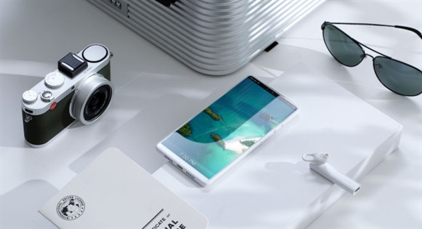Smartisan Nut R1 Pure White con 8GB de RAM, 512GB de almacenamiento disponible a 4,999 yuanes ($ 726)