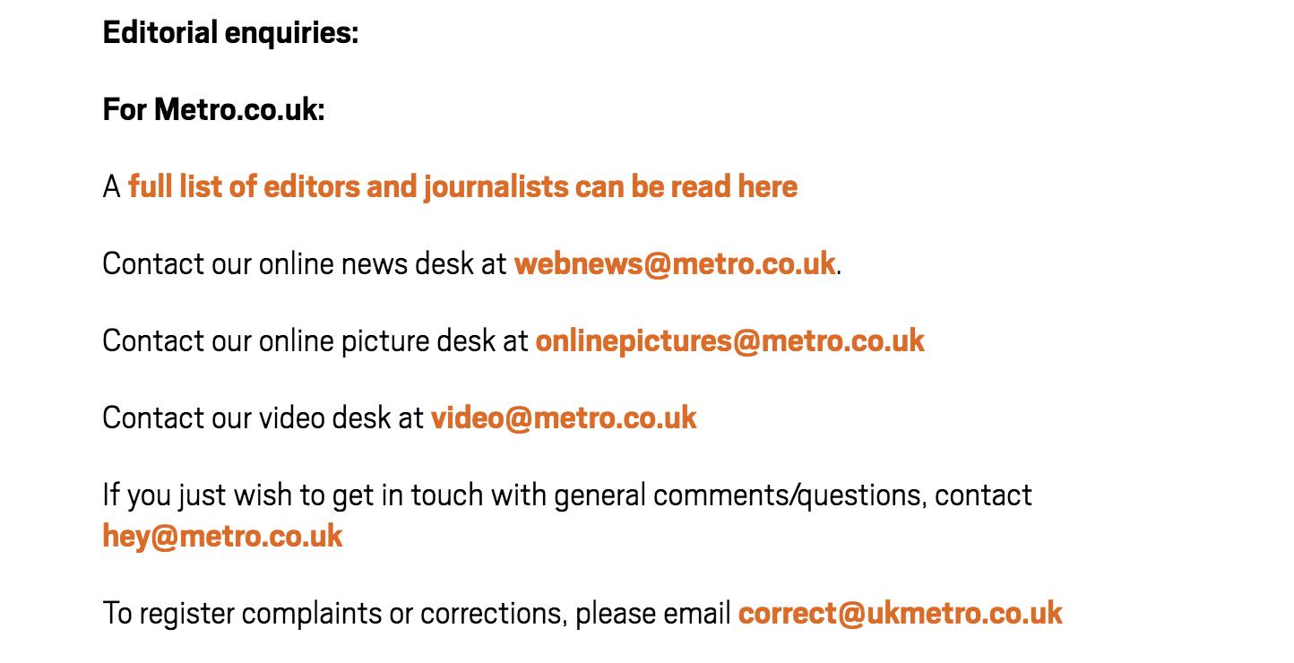 información de contacto de Metro.co.uk, muestra el correo electrónico de un mostrador de correcciones, que puede ser la mejor opción para revisar menciones de marca no vinculadas