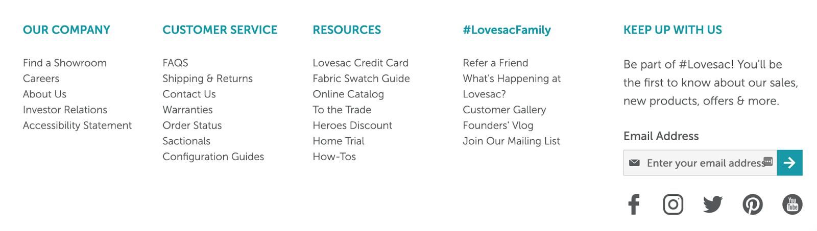 página de inicio del sitio web de lovesac con recursos y CTA en el pie de página